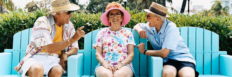 Zwei Rentner und eine Rentnerin