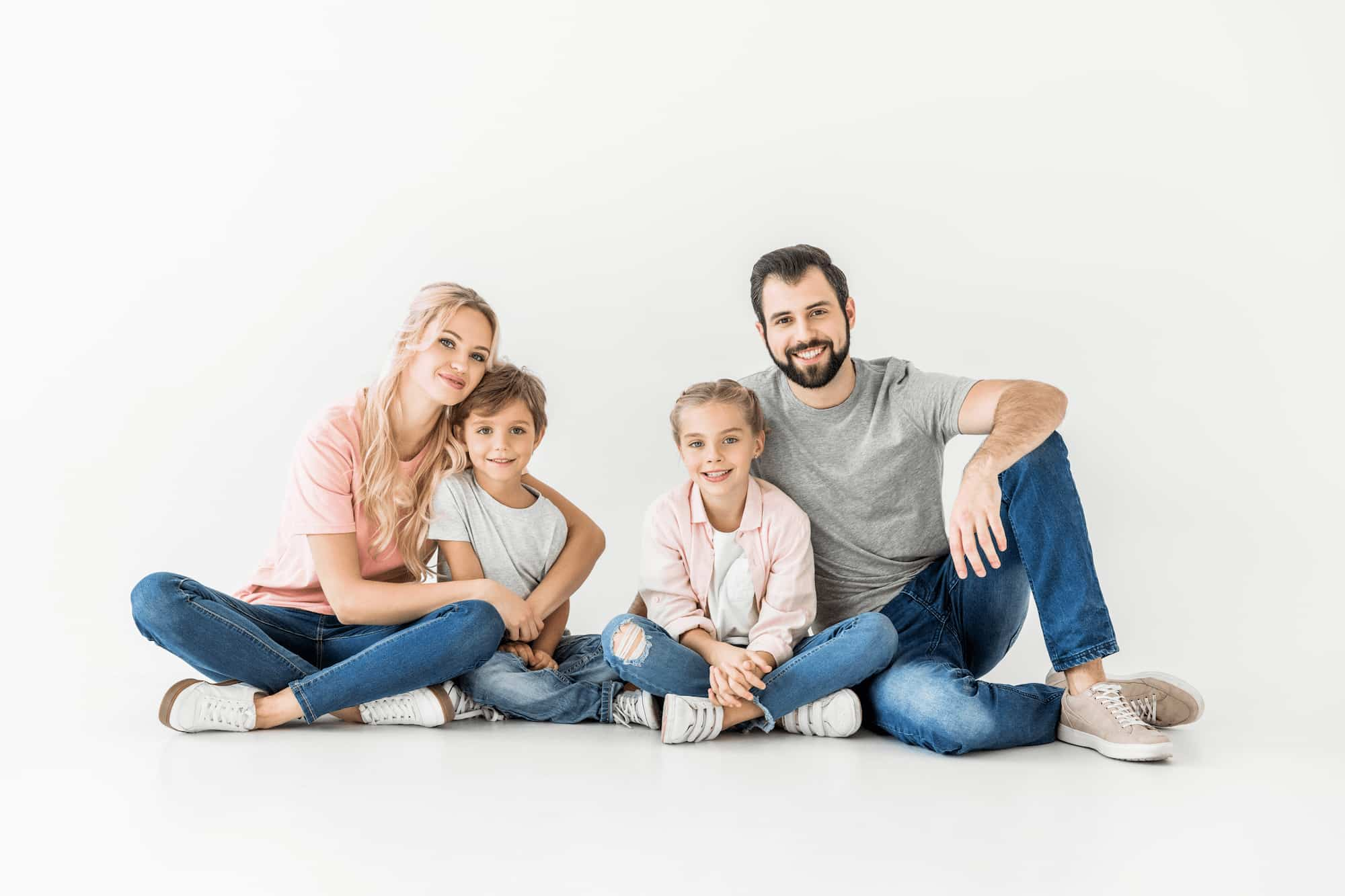 Familie - Eltern mit Sohn und Tochter